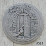"#313 POSSUM STEPPING STONE OR WALL PLAQUE,  14-1/2"" Diameter x 1-1/2"" Thick (13-1/2 lbs.), Works as plaque or stepping stone."