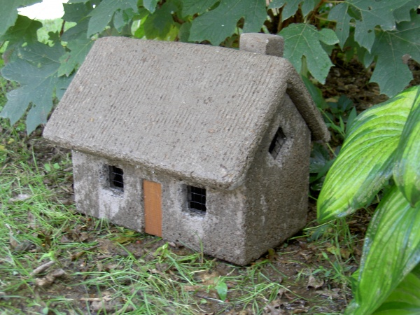 """#520A English Cottage Concrete Roof, Approx. 15"""" x 18"""" x 12"""" H (25 lbs.)"""